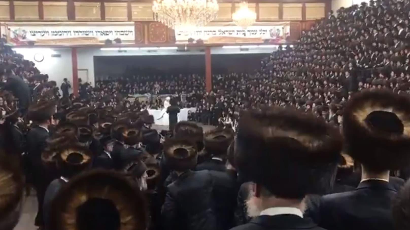 Covid-19: un mariage juif hassidique réunit en secret des milliers de personnes à New York