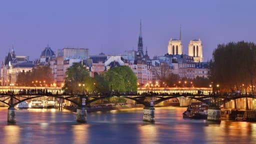 Paris, ses lumières, ses ponts et ses musées... ne suffisent pas à faire oublier le sale caractère des Parisiens