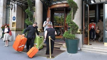 Les hôtels et restaurants parisiens peinent à récupérer leur clientèle depuis les attentats de 2015. (image d'illustration)