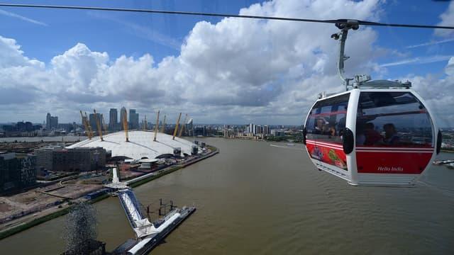 A Londres, depuis 2012, un téléphérique urbain enjambe la Tamise.