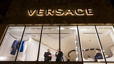 Un manager d'un magasin Versace fait l'objet d'accusation de discrimination de la part d'un ex-employé.