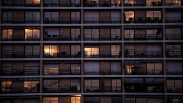 Un bâtiment parisien en période de confinement.