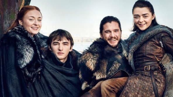 """Sophie Turner, Isaac Hempstead-Wright  Kit Harington et Maisie Williams posent pour promouvoir la prochaine saison de """"Game of Thrones"""""""