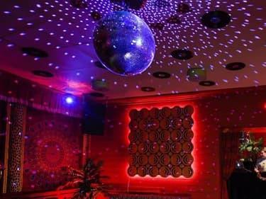 Les discothèques pourront rouvrir le 15 juillet prochain.