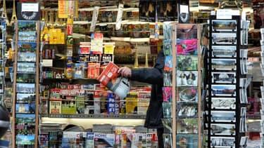 Les kiosques parisiens comptent sur les produits hors-presse pour relancer leurs ventes