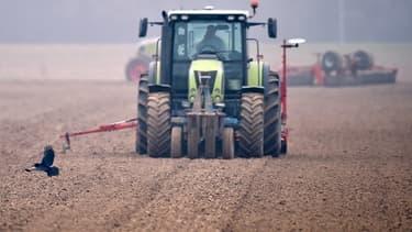 Plusieurs agriculteurs se mobilisent pour dénoncer l'accord de libre-échange entre l'UE et le Canada