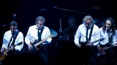 Les Eagles (Glenn Frey, Don Henley, Joe Walsh, and Timothy B. Schmit), encore au complet, en 2008.