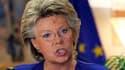 La commissaire européenne à la Justice et aux Droits fondamentaux, Viviane Reding, favorable à l'ouverture d'une procédure d'infraction contre la France sur le dossier des Roms. La France a échappé mercredi à une telle procédure mais Paris devra se confor