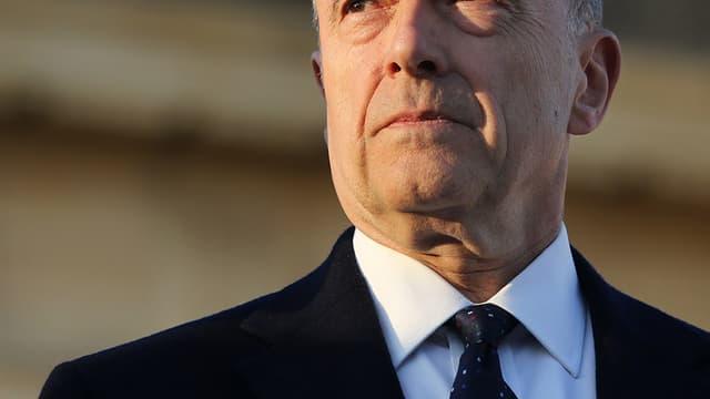 Alain Juppé a annoncé sa candidature sur son blog pour la primaire UMP.