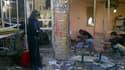 Trente et une personnes au moins ont trouvé la mort et une soixantaine d'autres ont été blessées dans un attentat suicide à la voiture piégée, vendredi près d'un marché du quartier chiite de Zaafarania, à Bagdad. /Photo prise le 27 janvier 2012/REUTERS/Sa