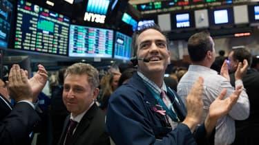 Le Dow Jones a franchi mardi la barre symbolique des 19.000 points