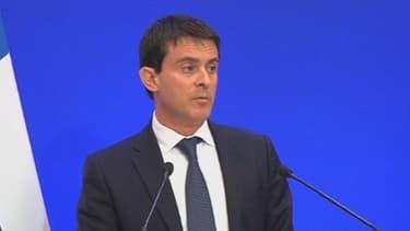"""Manuel Valls a jugé """"préoccupant"""" le résultat du référendum suisse contre """"l'immigration de masse""""."""