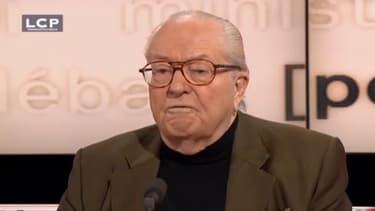 """Jean-Marie Le pen est """"ravi"""" que François Holande soit célibataire."""