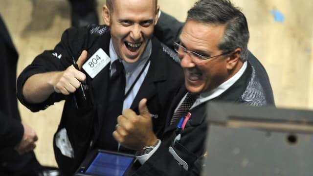 Deux traders de Wall Street visiblement peu soucieux du facteur-risque en ce moment sur les marchés...