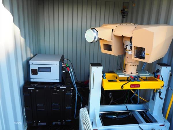 L'effecteur laser HELMA-P répond à la menace que représentent les drones et plus particulièrement les mini-drones.