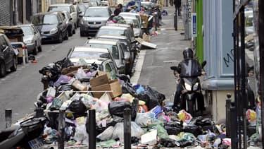 La femme avait chuté sur un tas d'ordures près de son domicile au 14 jour de grève des éboueurs en 2010.