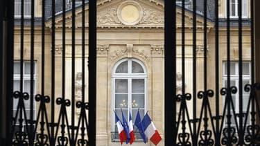 Le Conseil des ministres a approuvé mercredi ce qui sera sans doute le dernier train de réformes du quinquennat du président Nicolas Sarkozy, dont une hausse de 1,6 point de la TVA pour contribuer au financement de la protection sociale. /Photo prise le 2