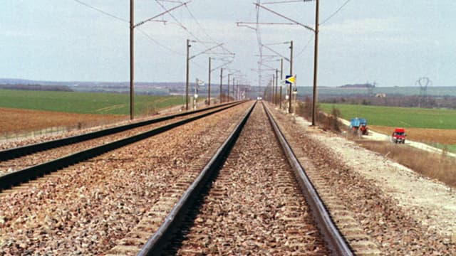 Le train circulait à près de 140 km/h au moment du choc.