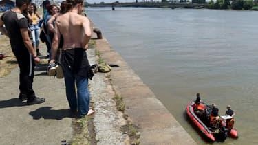 Les opérations de recherche des secours à Nantes le 25 juin dernier.