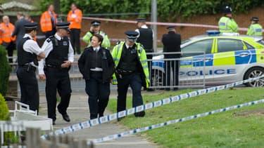 Le quartier de Woolwich dans le sud de Londres bouclé par la police à la suite du meurtre d'un soldat britannique.