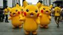 Des marionnettes de Pikachu, le célèbre Pokemon, dans un centre commercial de Yokohama, au Japon, en août 2014.