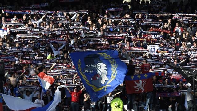 Le public français boude ses stades, en comparaison avec ses voisins anglais et allemands.