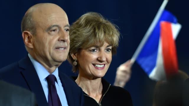 Isabelle Juppé est montée à la tribune à Toulouse mardi soir pour soutenir la campagne d'Alain Juppé.