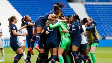 Les féminines du PSG après leur victoire contre l'OL