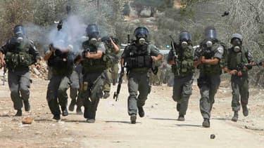 L'armée israélienne intervient à Kfar Kadum, le 19 août 2011.