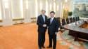 John Kerry et le président chinois Xi Jinping à Pékin. Le secrétaire d'Etat américain est arrivé samedi à Pékin afin d'évoquer avec ses interlocuteurs chinois les moyens à mettre en oeuvre pour enrayer la rhétorique guerrière de la Corée du Nord et la ram