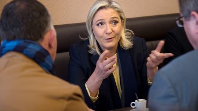 Marine Le Pen, tête de liste FN aux régionales, ici à Senlis dans l'Oise le 23 octobre dernier
