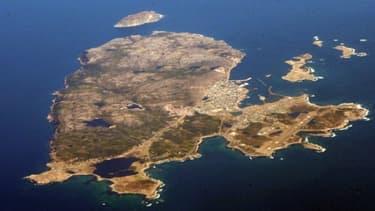 Les eaux autour de Saint-Pierre-et-Miquelon font l'objet d'un vif débat entre la France et le Canada.