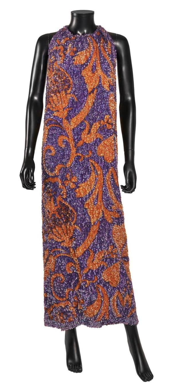 Une robe du soir Pierre Cardin, portée par Jeanne Moreau