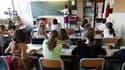 Le ministre français de l'Education nationale, Luc Chatel, défend les pistes envisagées pour compenser le non-remplacement d'un professeur sur deux partant à la retraite. /Photo d'archives/REUTERS/Charles Platiau
