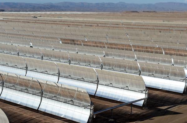 Vue en détails des éléments utilisés par la centrale solaire Noor.