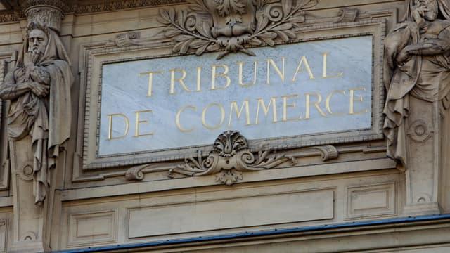 La centrale d'achat des deux enseignes a été assignée devant le tribunal de commerce.