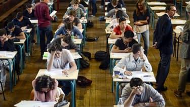 Etudiants en plein examen