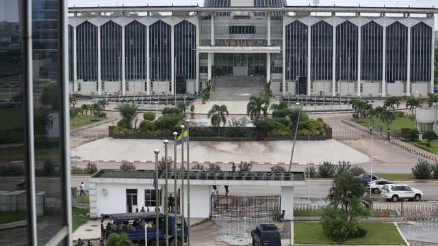 Le siège de la Radio Télévision Gabonaise, à Libreville, en juin 2017.