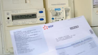 """Les tarifs du gaz et de l'électricité """"n'augmenteront pas pendant l'hiver"""", a annoncé mardi le Premier ministre Édouard Philippe pour tenter de sortir de la crise des gilets jaunes."""