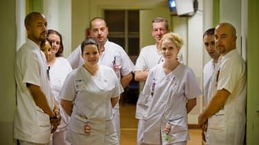 Une équipe de nuit des urgences d'un hôpital de région parisienne, ici en 2008.