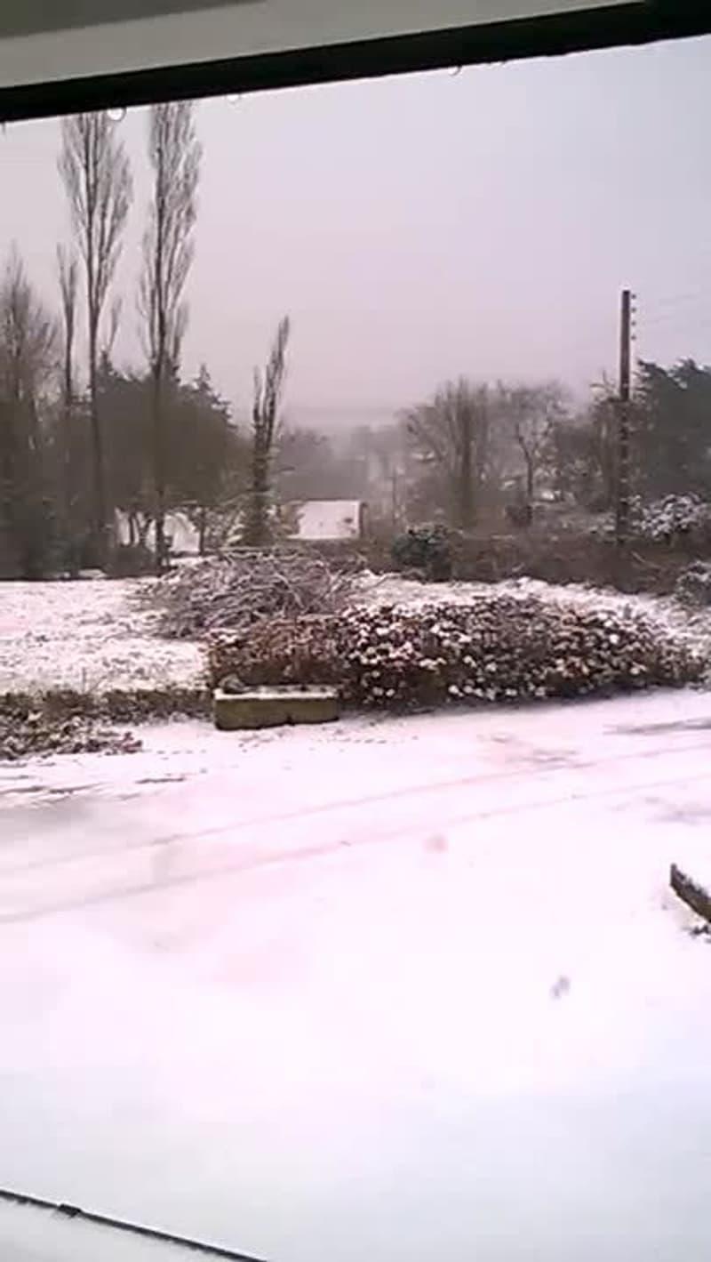 Neige au Vieux-Bourg (Côtes-d'Armor) - Témoins BFMTV
