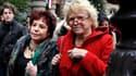 La candidate d'Europe Ecologie-Les Verts, Eva Joly (à droite), à Paris. Les écologistes français ont critiqué jeudi le projet franco-allemand de nouveau traité européen en jugeant insuffisant de se réclamer de la seule rigueur et outrageant de court-circu
