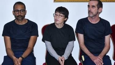 Les deux ex-otages français et l'ex-otage sud-coréenne lors de leur visite au palais présidentiel burkinabé samedi 11 mai 2019
