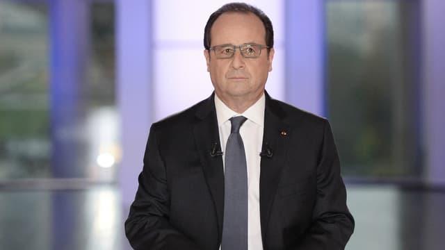 """François Hollande au Musée de l'Homme au moment de l'émission """"Dialogues citoyens"""" le 14 avril 2016."""