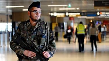 """Le plan Vigipirate a été relevé au niveau """"alerte attentat"""", mercredi 7 janvier."""