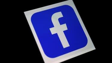 Une photo du logo de l'application Facebook prise le 25 mars 2020