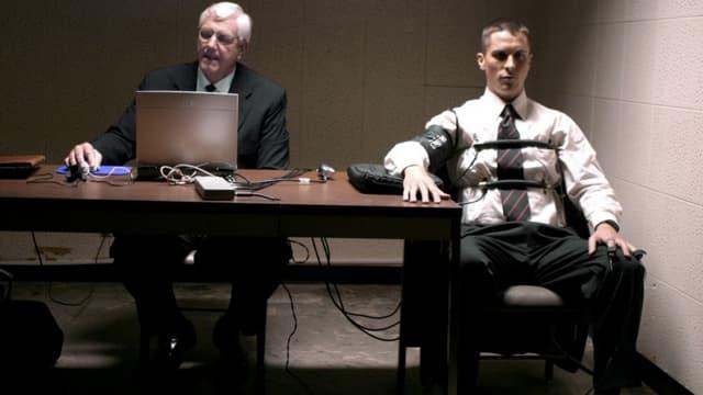 Un détecteur de mensonge dans le film Bad Times.
