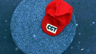 La CGT condamne les méthodes de consultation.