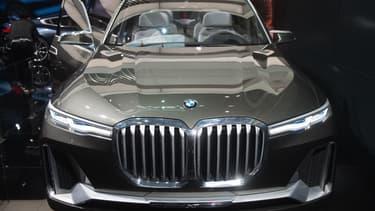 Un concept car BMW, l'un des constructeurs visés par l'enquête