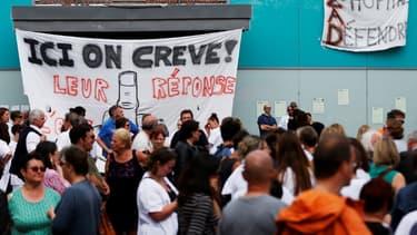 Les salariés de l'hôpital psychiatrique de Rouen mobilisés depuis le 22 mars dernier